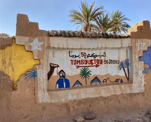 Marokko - Hinweis in der Wüste