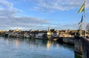 Blick-auf-CH-Rheinfelden und Rhein